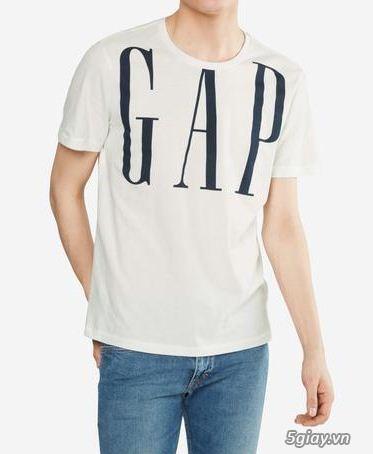 Cần bán 2 cái áo thun hàng hiệu, chính hãng, siêu rẻ siêu đẹp.