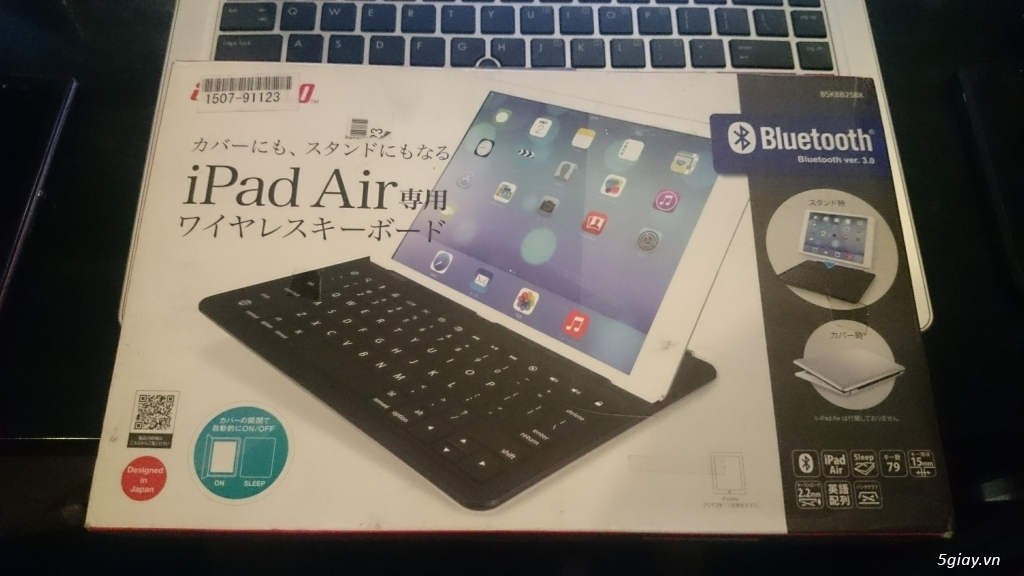 Bàn phím Bluetooth iBuffalo BSKBB25BK cho iPad