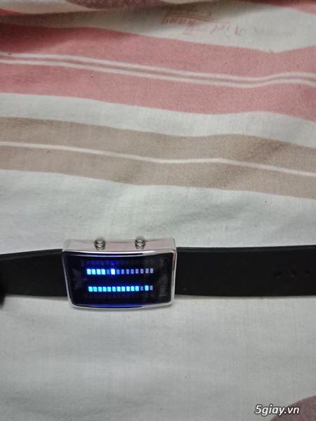 Đồng hồ diện tử đèn Led - 2
