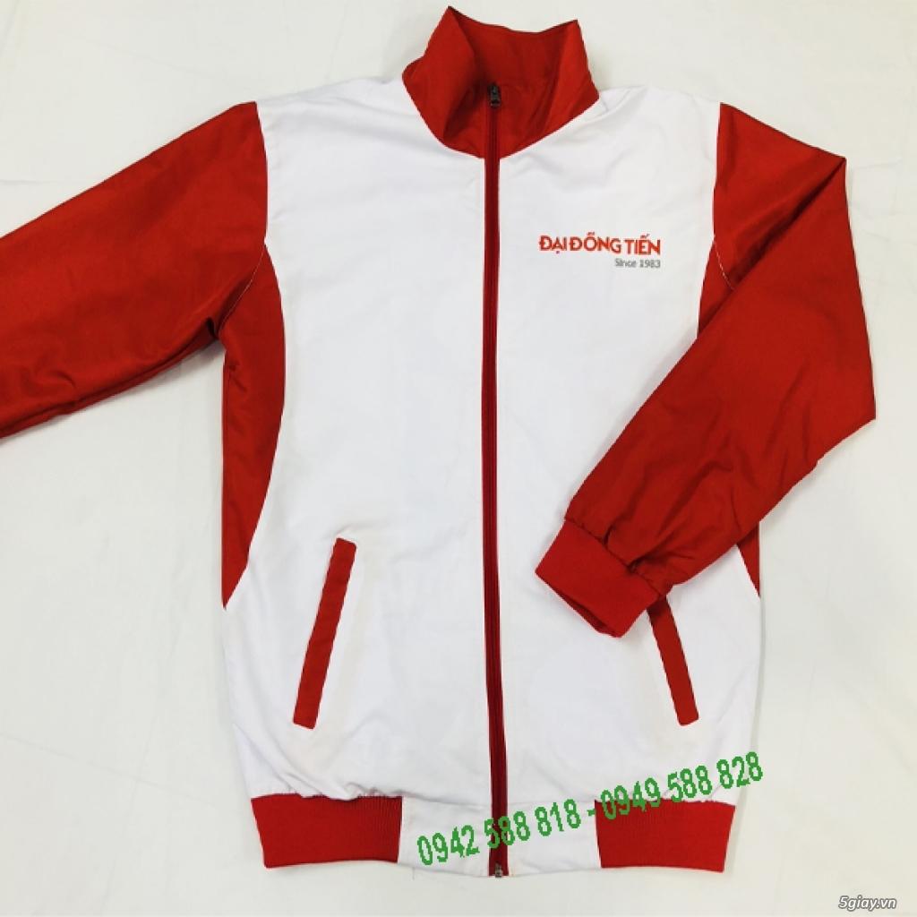 Những mẫu thiết kế áo khoác đồng phục đơn giản hợp cho nam và nữ