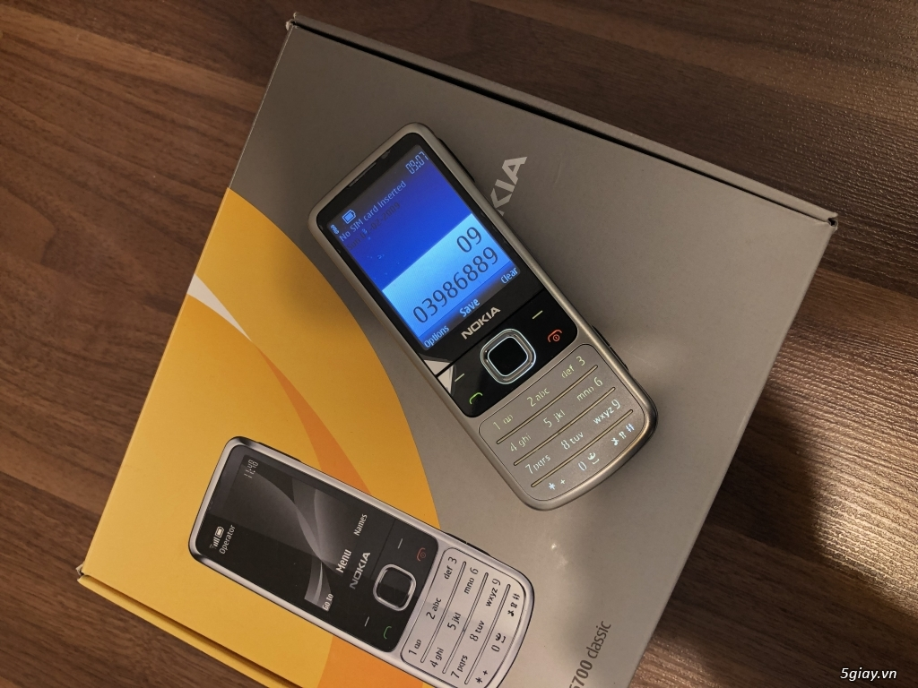 Nokia 6700 classic O2 bạc sần  fullbox new Ship UK - 2