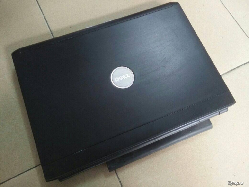 Dell Vostro 1500 2 GB 160 GB RẺ RẺ RẺ