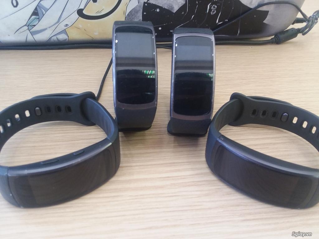 Vòng thông minh Samsung Gear Fit 2- Giá chỉ 1tr - 1