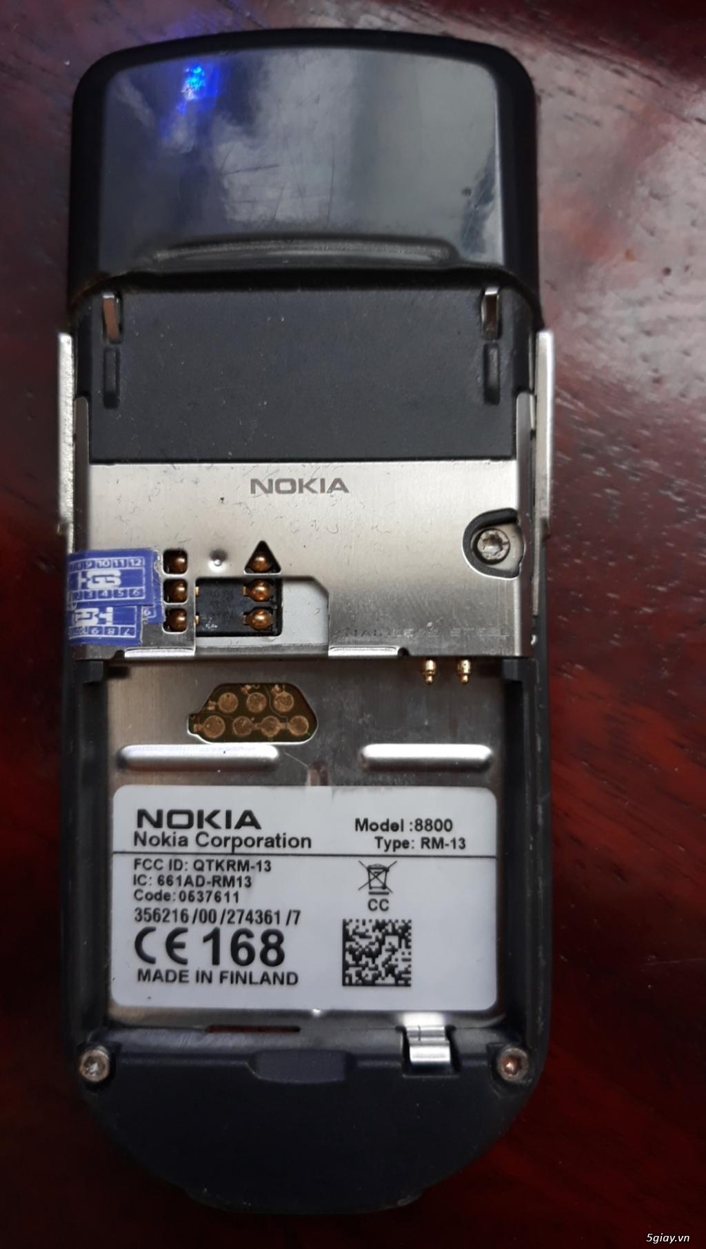 Nokia 8800 Vang danh một thời.