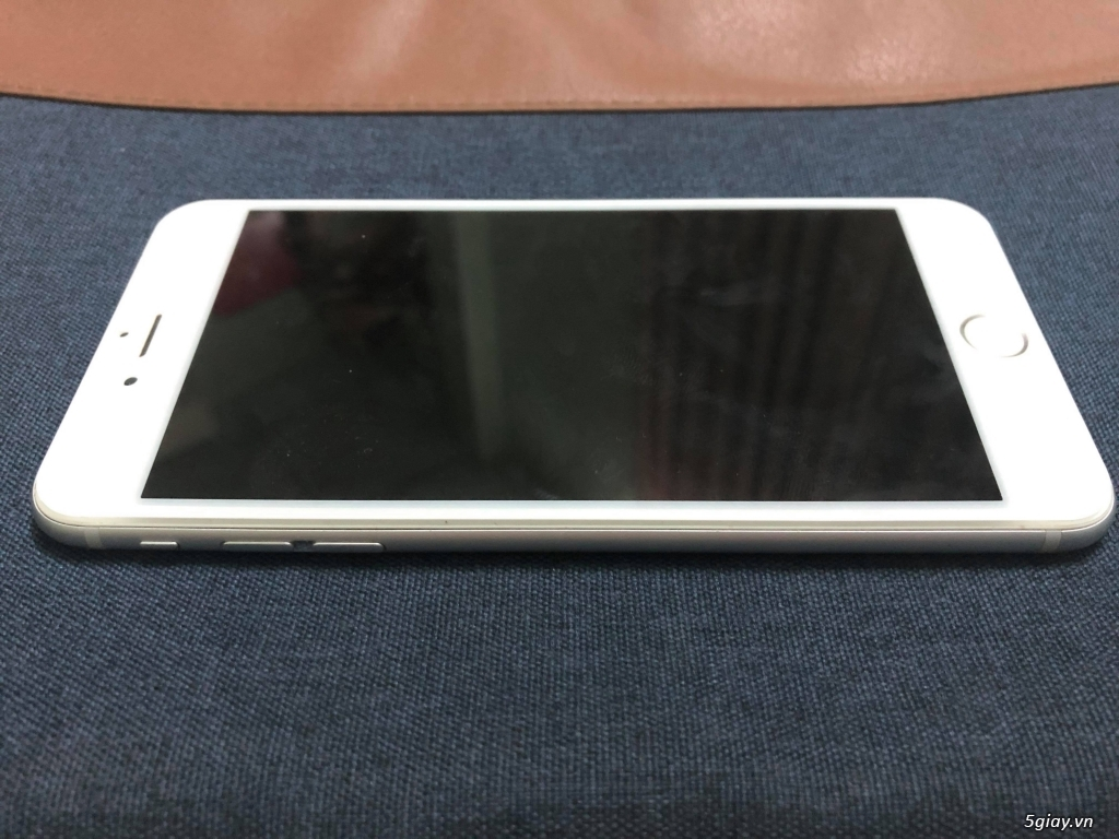 Iphone 6 Plus 16gb Silver nữ xài