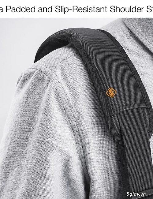 Túi đeo chống sốc TOMTOC (USA) 360* shoulder bags MACBOOK 13 giá tốt - 5