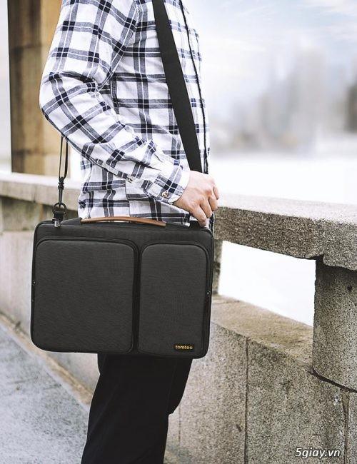 Túi đeo chống sốc TOMTOC (USA) 360* shoulder bags MACBOOK 13 giá tốt - 6