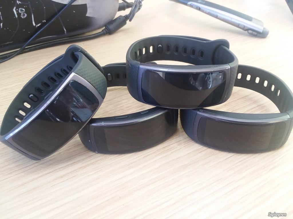 Đồng hồ Samsung Gear Fit 2-Giá chỉ từ 1 triệu