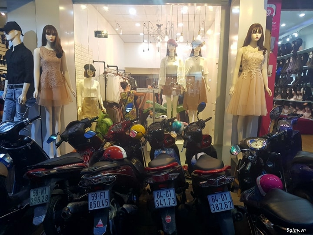 Sang shop thời trang nữ đường cách mạng tháng 8 - 2