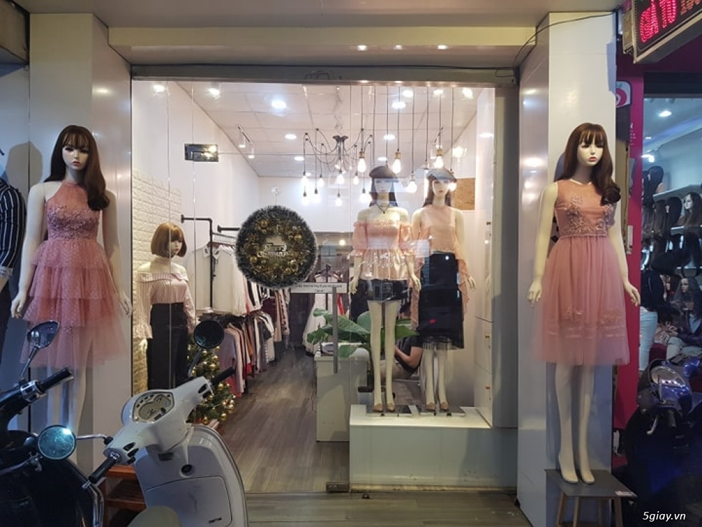 Sang shop thời trang nữ đường cách mạng tháng 8 - 1