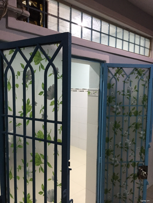 Cho thuê nhà rộng thoải mái (1 lầu) gần chợ Tân Sân Nhất giá rẻ - 1