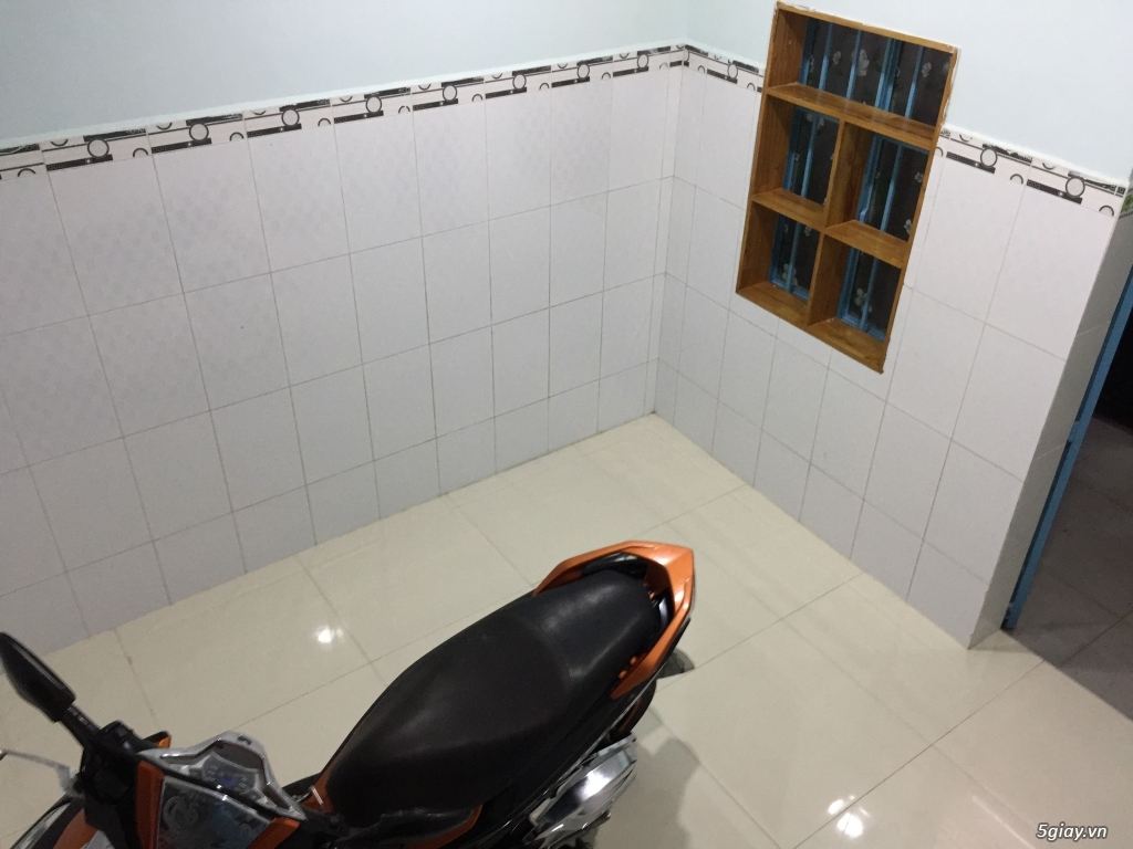Cho thuê nhà rộng thoải mái (1 lầu) gần chợ Tân Sân Nhất giá rẻ - 3