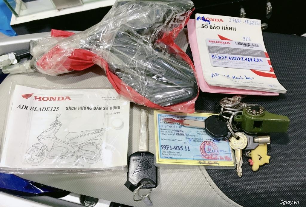 Bán xe Honda AirBlade 2017 FI 125cc, xe trùm mềm chính chủ - 8