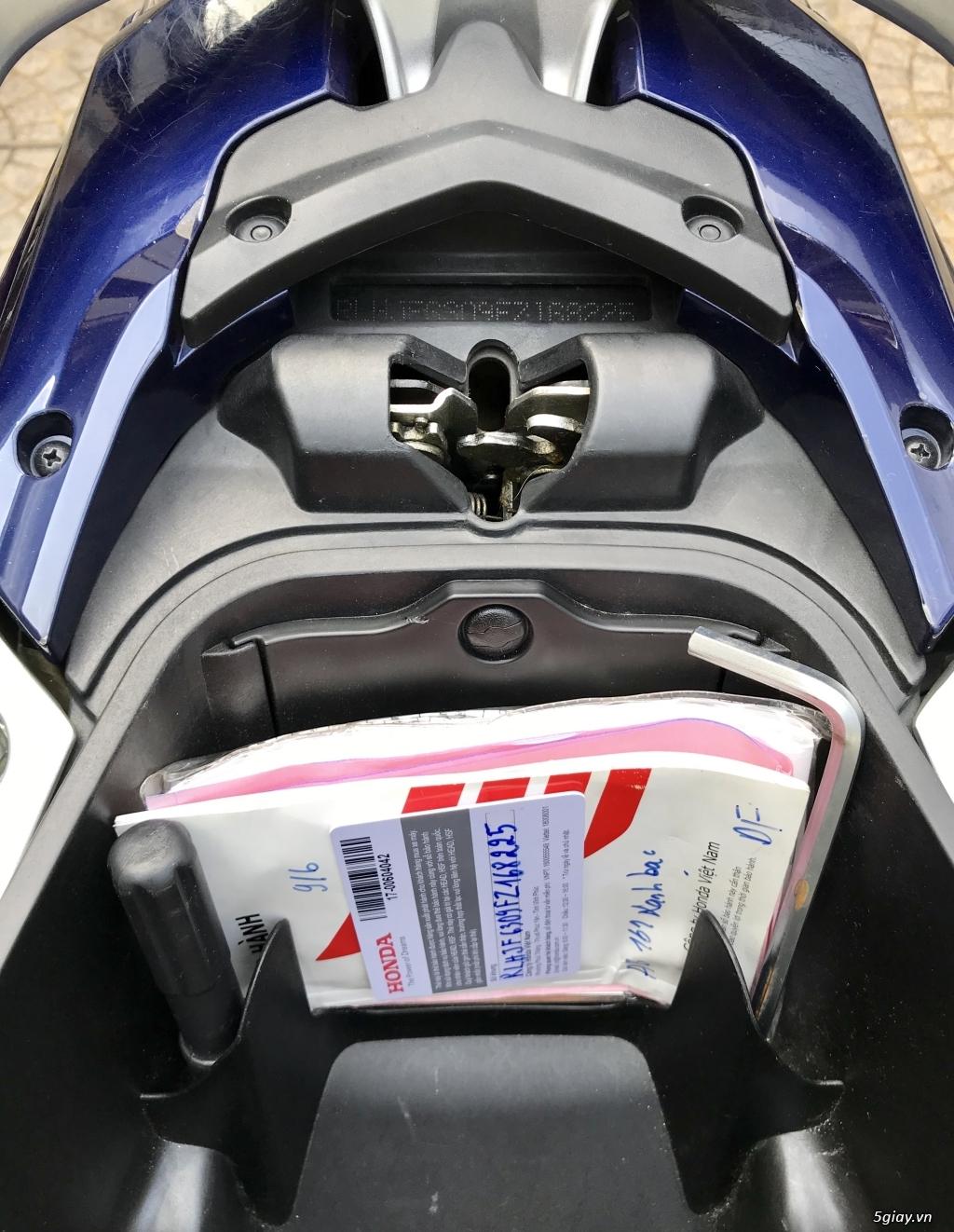 Bán xe Honda AirBlade 2017 FI 125cc, xe trùm mềm chính chủ - 7