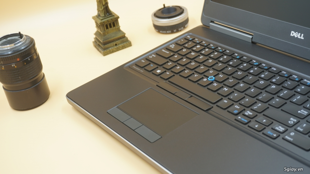 Cần bán Laptop Dell Precision E7520 - 2