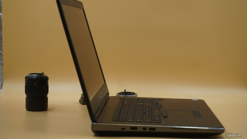 Laptop Dell Precision M7720 Core i5 7300HQ -2.5 Ghz up to 3.3 Ghz - 2