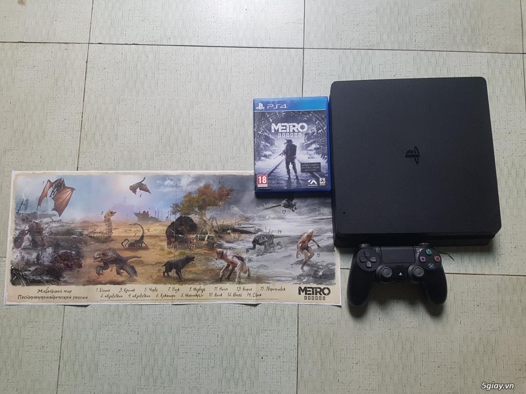 HCM- Cần Bán PS4 SLIM 1TB Tặng Kèm Đĩa Game Metro Exodus 99%