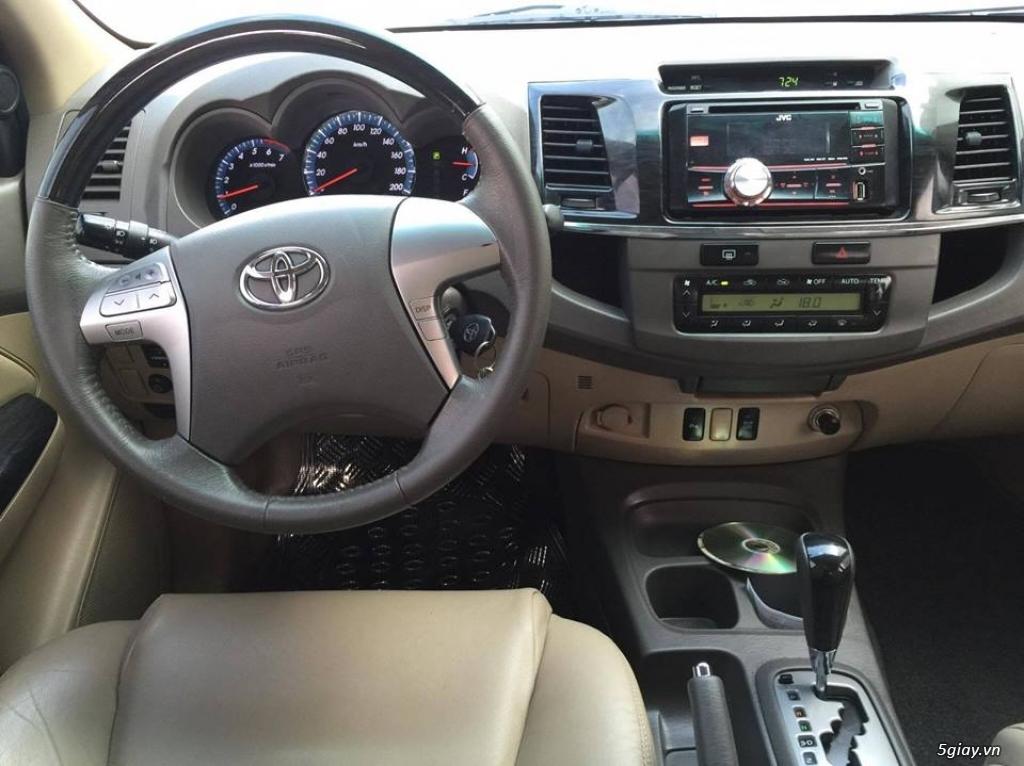 Toyota Fortuner V 2013 số tự động máy xăng, màu bạc - 7