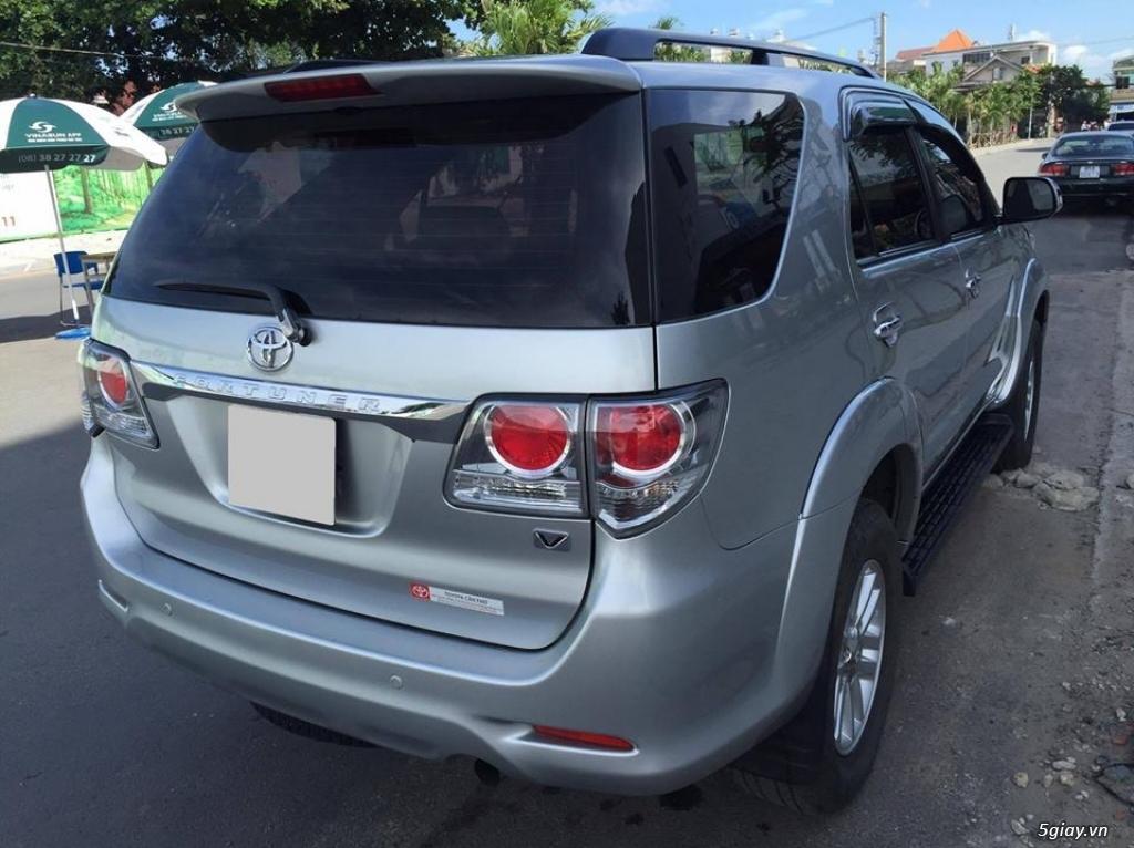 Toyota Fortuner V 2013 số tự động máy xăng, màu bạc - 8