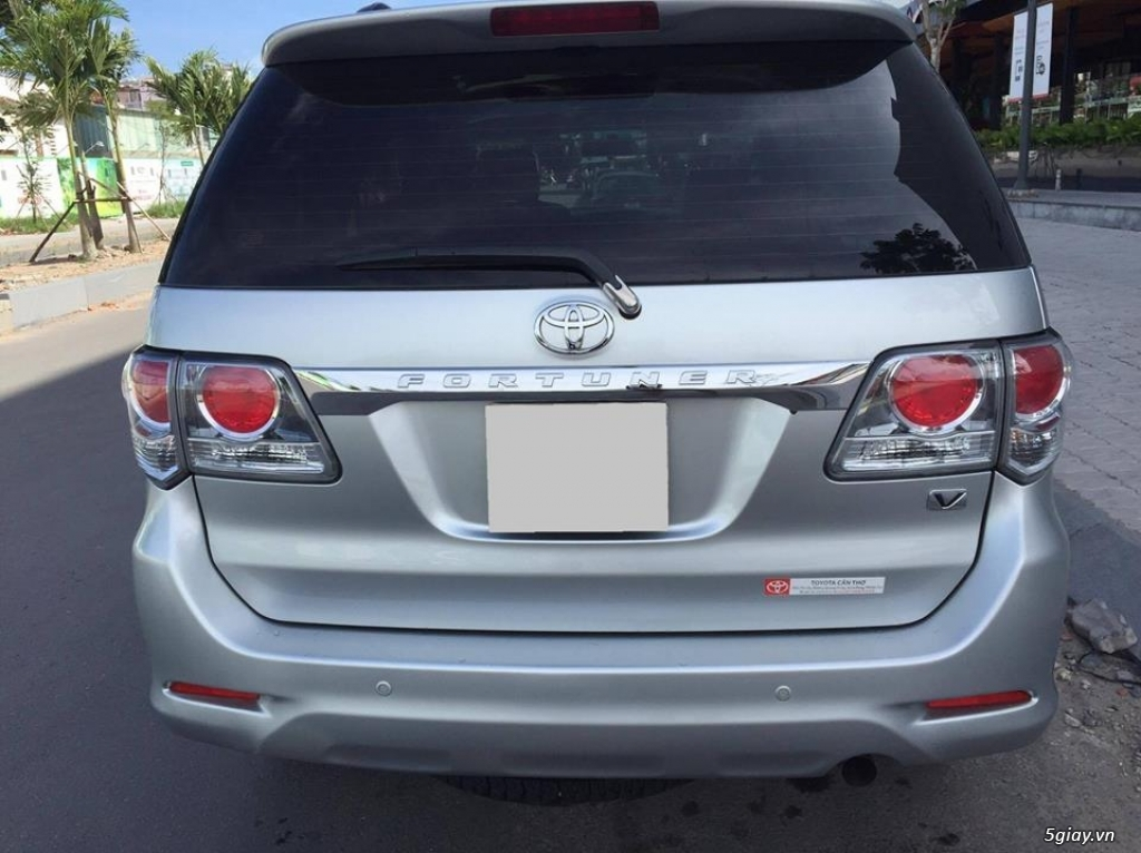 Toyota Fortuner V 2013 số tự động máy xăng, màu bạc - 1