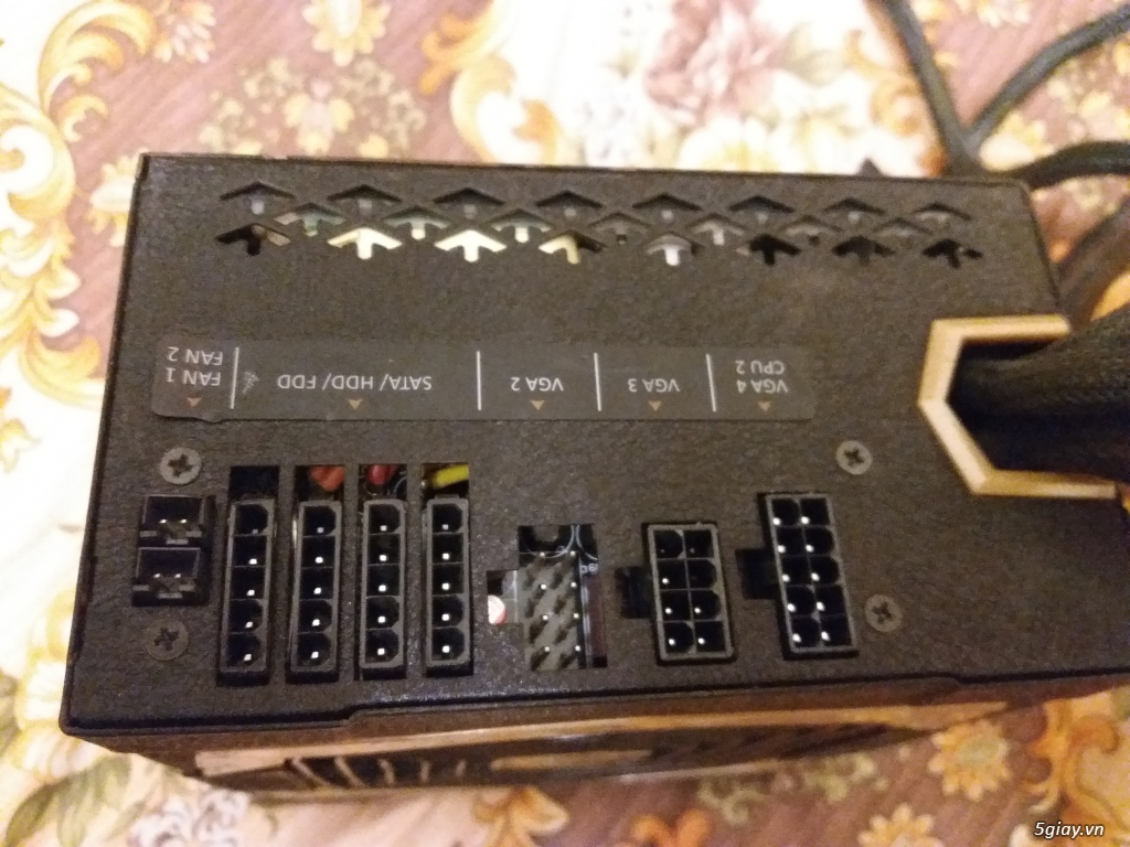 Ve chai linh tinh ... màn hình ... adapter ... nguồn .... UPS ... ps2 - 24