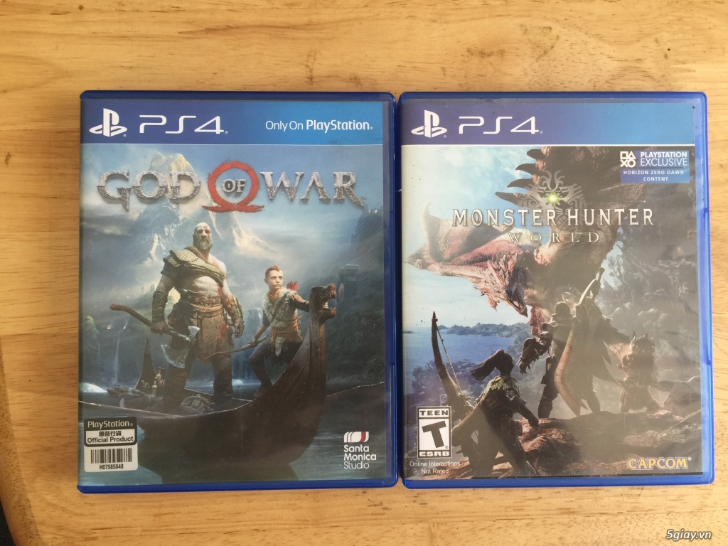 Game Ps4 God of war 4, Monster hunter - 1