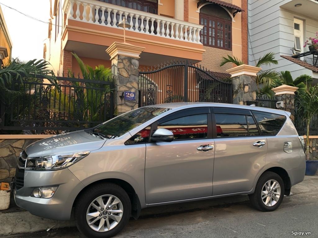 Cho thuê ô tô tự lái 4-7 chỗ giá tốt khu vực TP.HCM