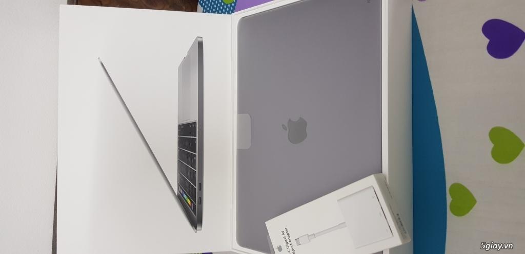Bán Macbook pro touchbar 13inch 256gb new 99%