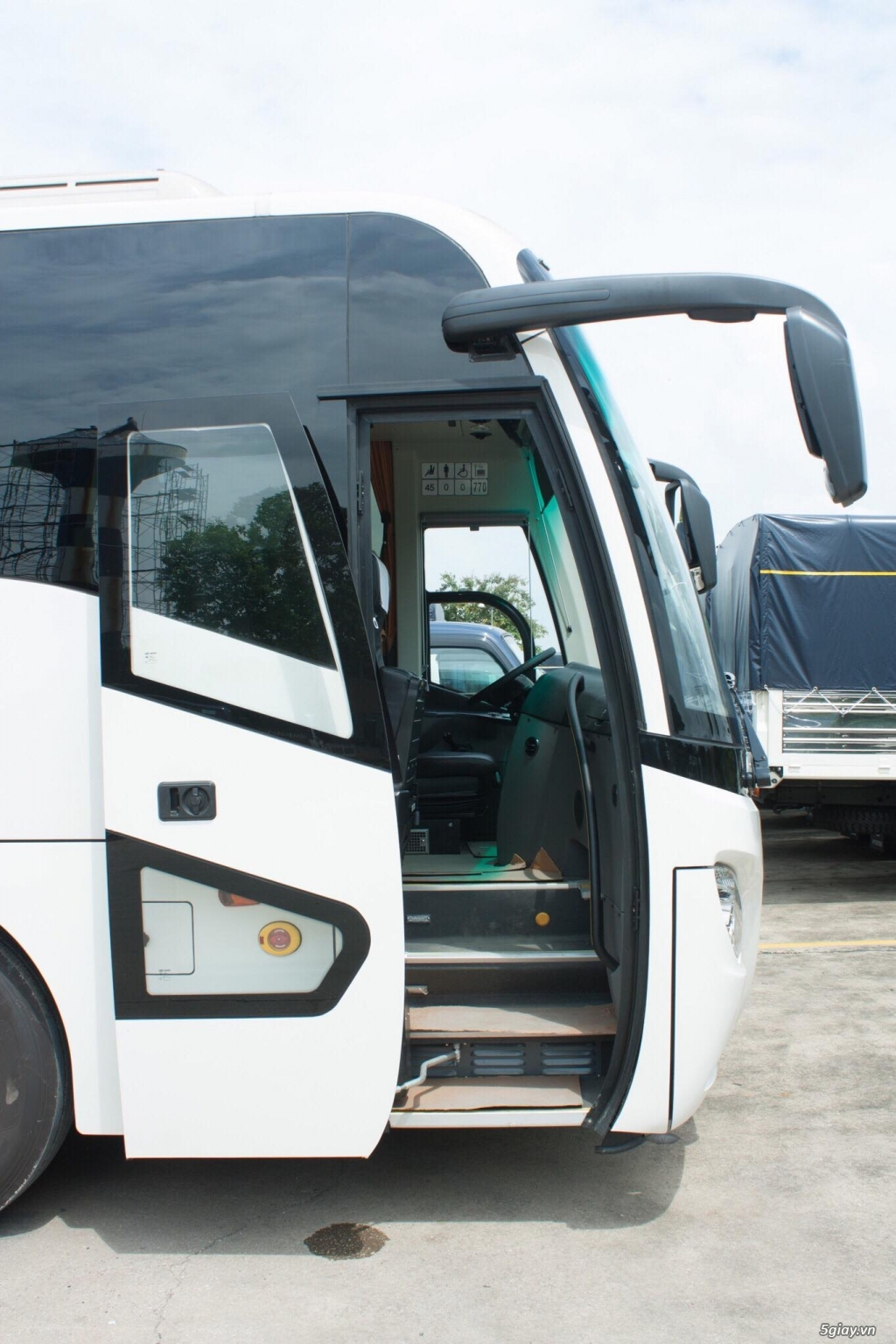 SCANIA luxury coach A50 (50 chỗ) nhập tt Châu Âu 100% - 1