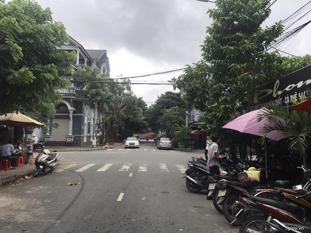 Nhà hẻm xe tăng Quận Tân Phú 95m²