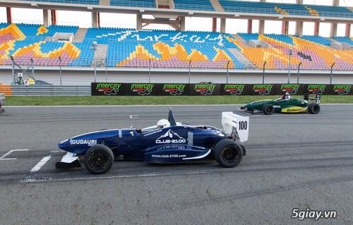 Ghế sân vận động, ghế cho đường đua F1 - 4