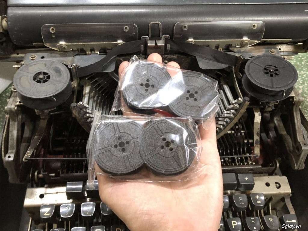 Ruy băng mực dòng máy đánh chữ cơ cổ điển như Olympia - 3