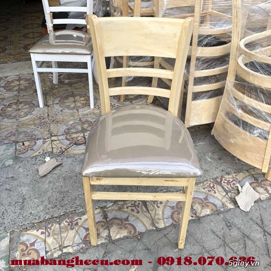 Top 10 mẫu bàn ghế gỗ cũ thanh lý giá rẻ tại TPHCM - 1