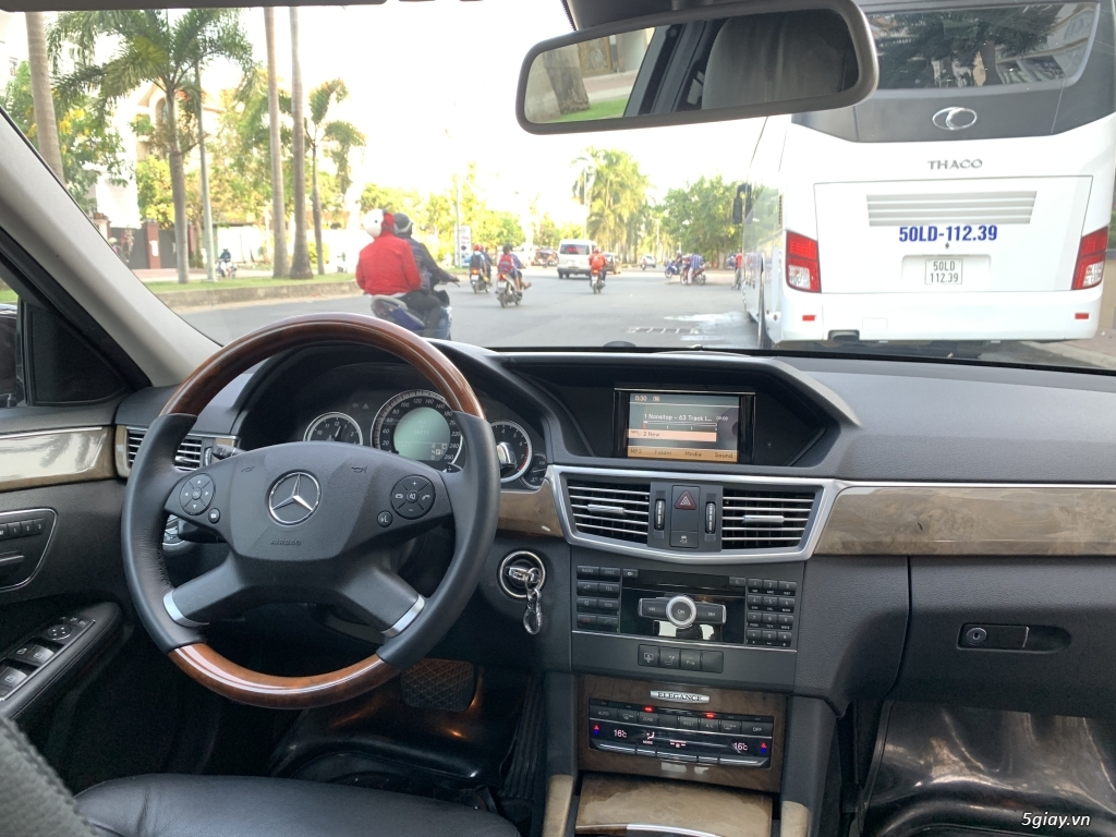Mercedes Benz E300 model 2010 nâu havana - 8