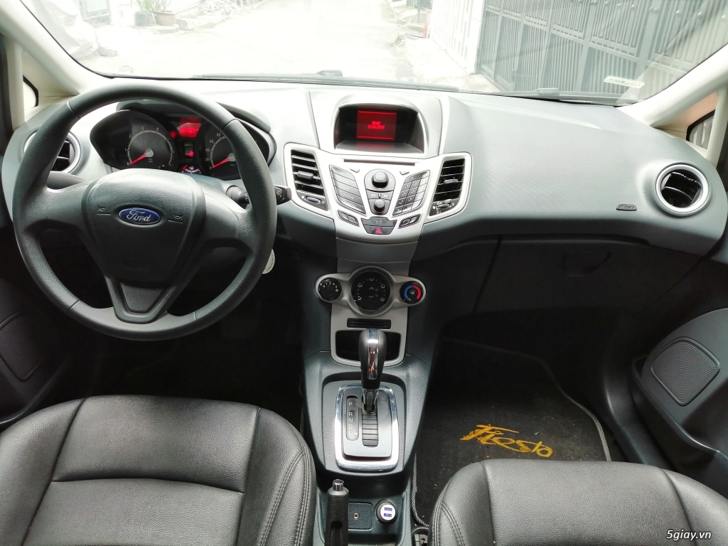 Xe	Ford Fiesta	1.6 AT	2013	-GHINA - 5