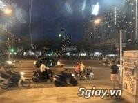 Cho thuê mặt bằng 2 mặt tiền đường Võ Văn Kiệt Q1, DT 160m2 - 2