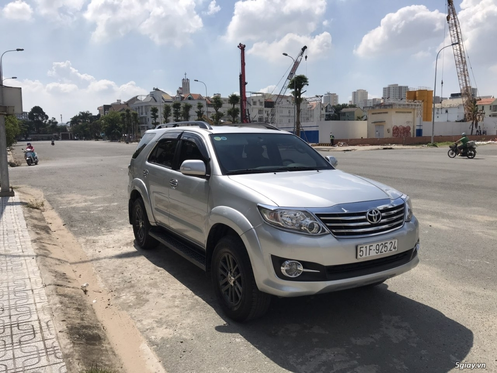 Toyota Fortuner xăng (4x2) 2016, 35k km, chính chủ bán - 2