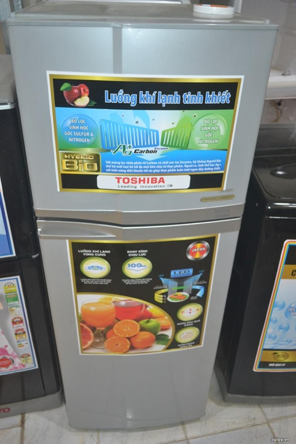 Tủ lạnh Toshiba 160L không bám tuyết bao xài tốt vận chuyển miễn phí