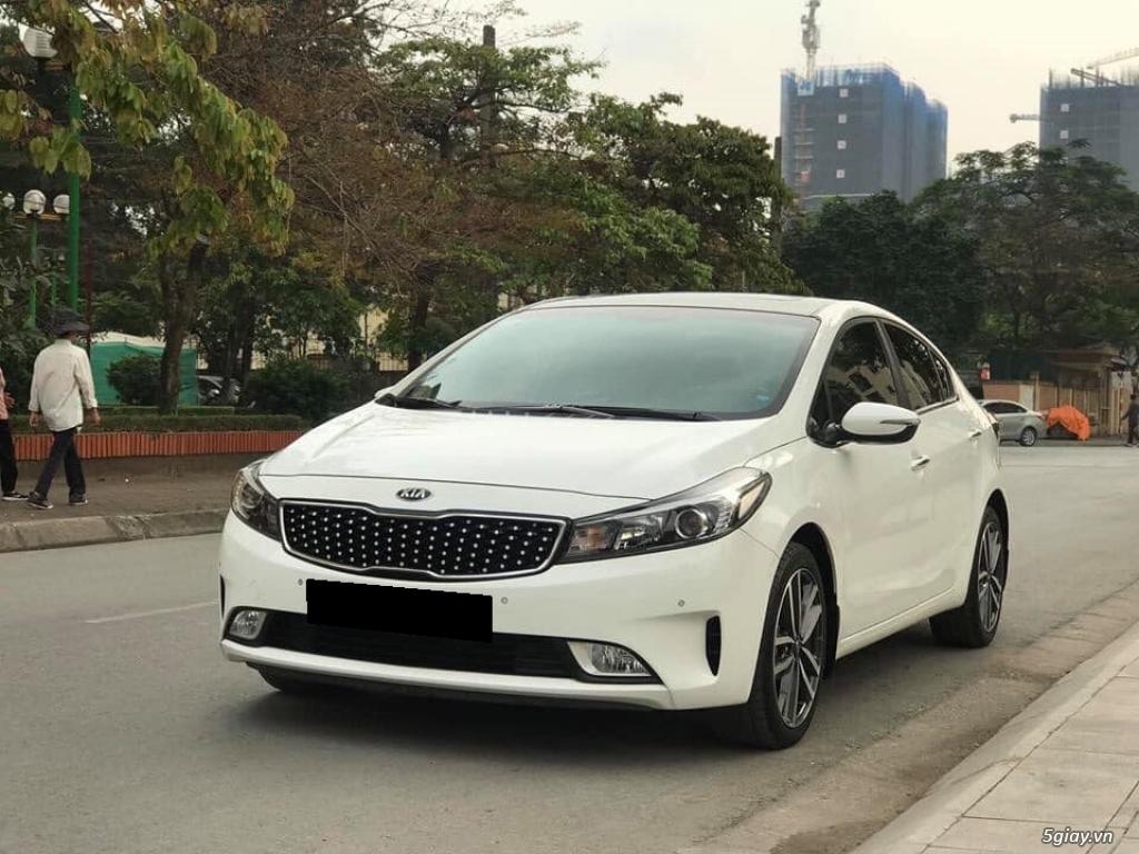 Cần bán xe Kia Cerato 2017 số tự động màu trắng - 6
