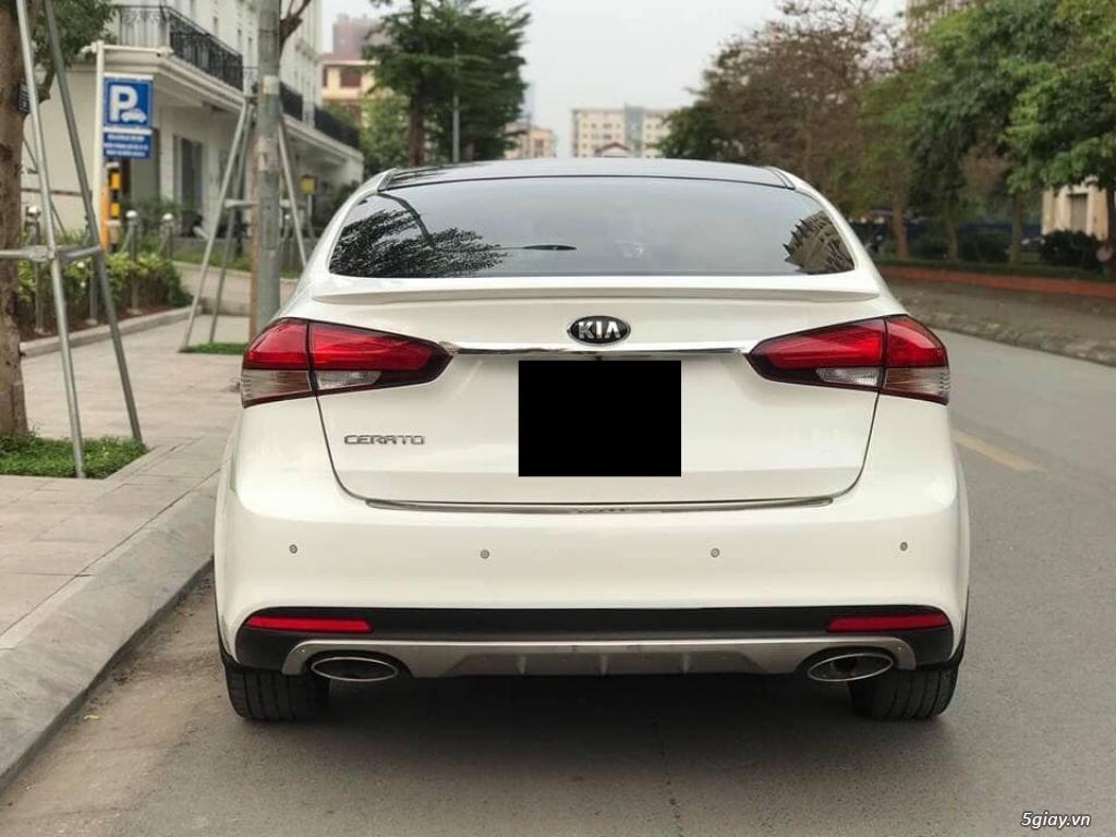 Cần bán xe Kia Cerato 2017 số tự động màu trắng - 2