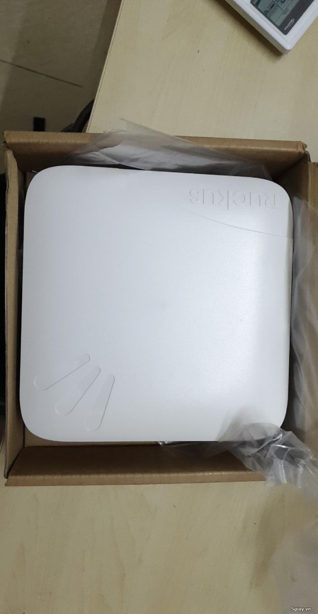 Siêu Wifi Ruckus 7982 - Phát cực xa - Chịu tải cực cao - Giá cực rẻ...