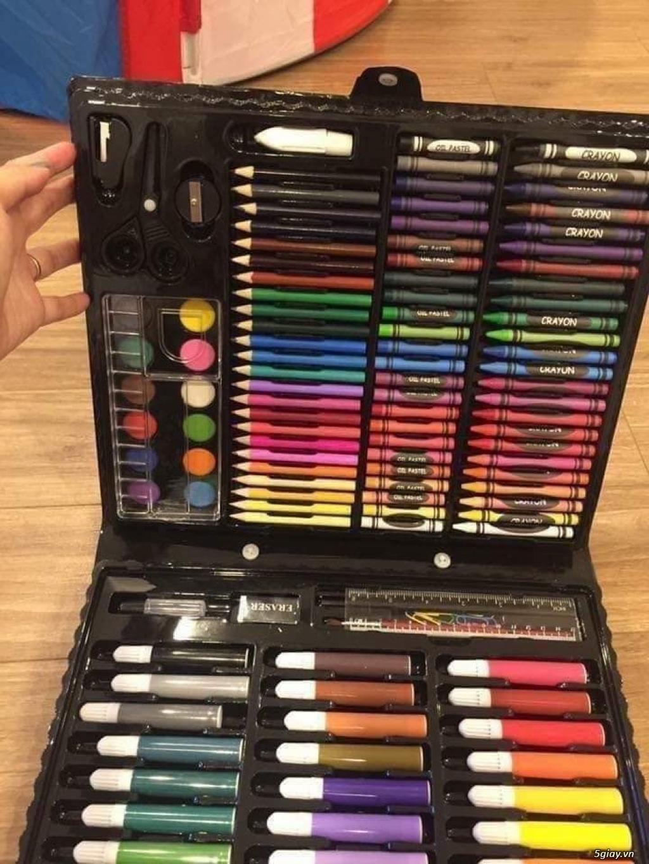 Bộ bút tô màu