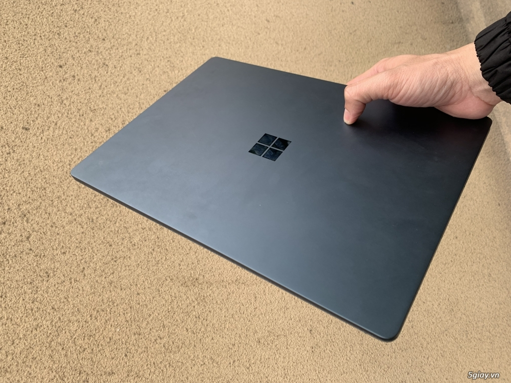 Surface Book1 i7/16/512, Surface Laptop2 xanh 256G. - 2
