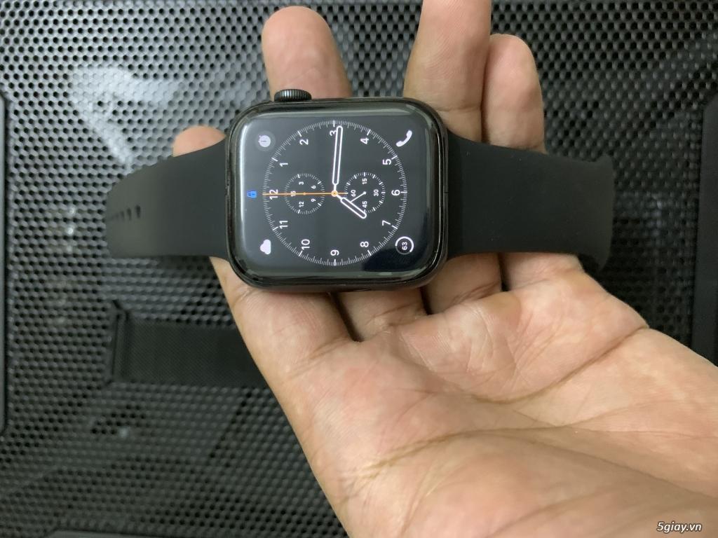 Apple Watch Series 4 44mm GPS - BH Apple 3/2020