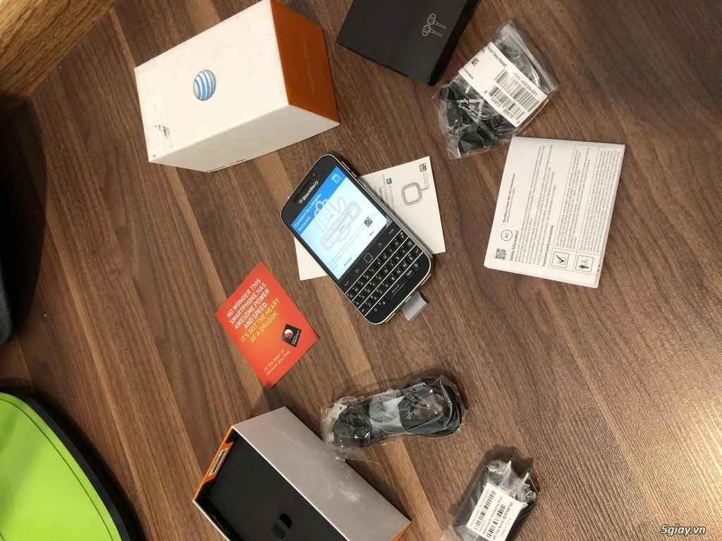 Blackberry Classic nhà mạng Mẽo AT & T NEW nguyên hộp - 14