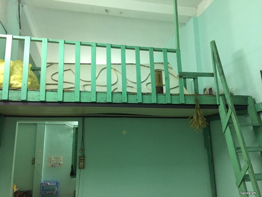 Cho thuê phòng lầu 4 nhà mặt tiền quận 1 đường Nguyễn Văn Giai