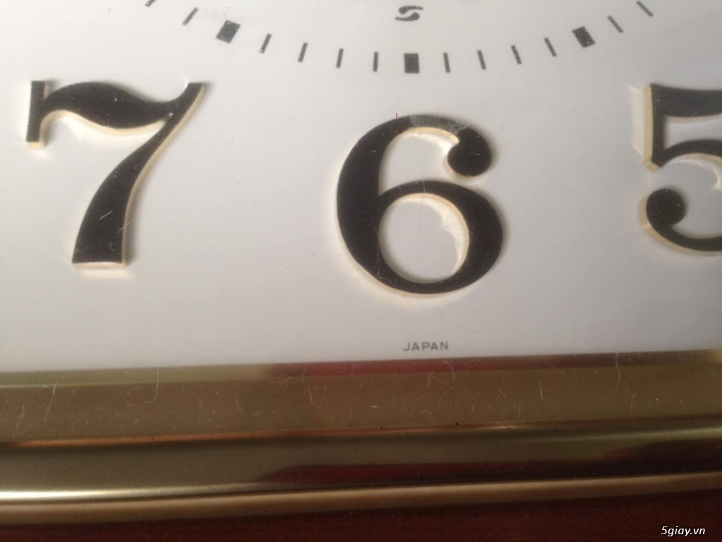 Đồng hồ treo tường Seiko vỏ gỗ của Nhật