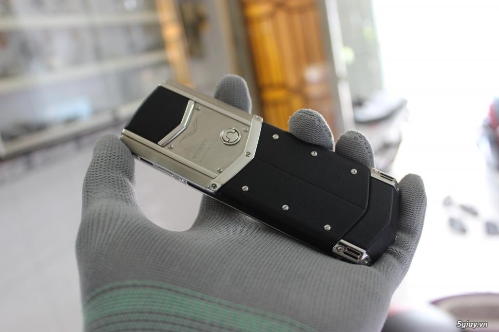 Chuyên Mua. Bán Vertu - Nokia 8800 - 6700 - 8600 luna. Chính hãng.