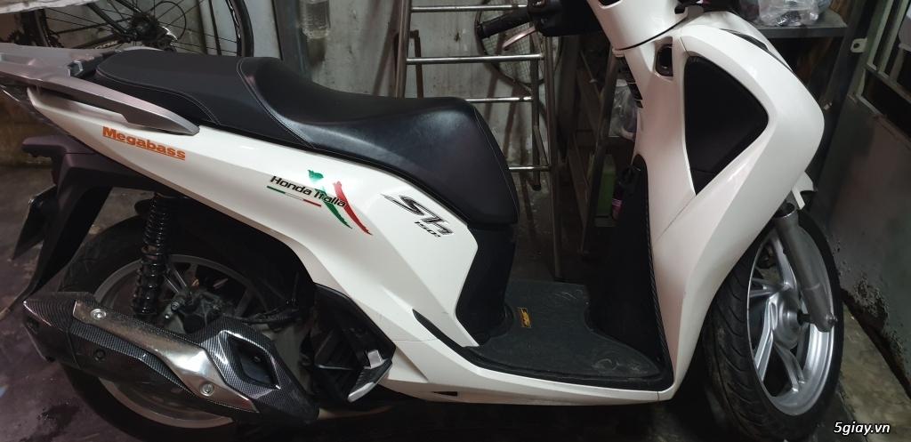 SH150 ABS màu trắng DK cuối 2017