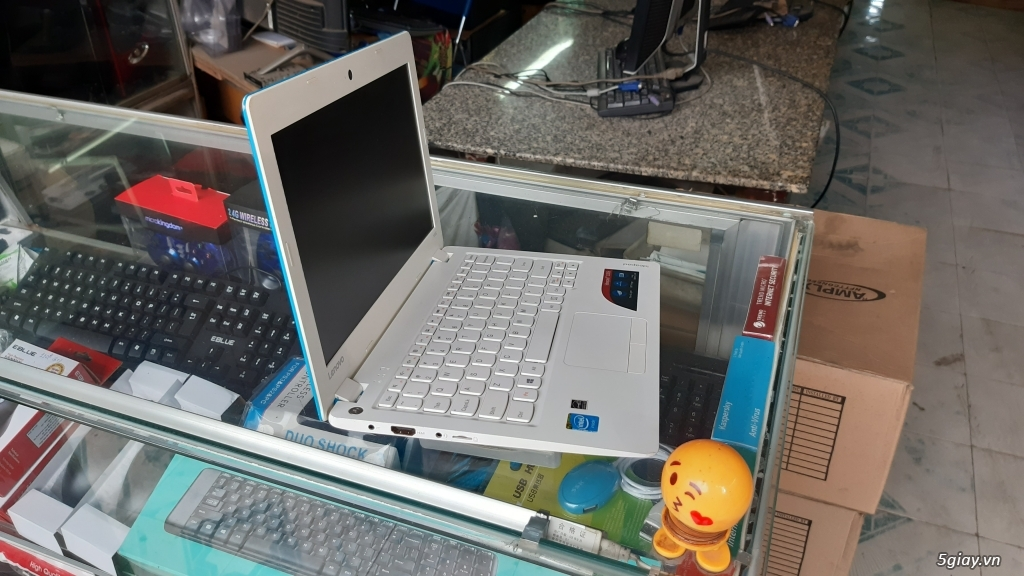 Bán Laptop Lenovo 100s, mỏng nhẹ 1kg, 4CPU, R2G, SSD 32G, Pin 6h, rẻ - 1
